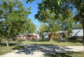 camping à vendre, ce camping et gîtes est situé dans un endroit calme entre bergerac et agen