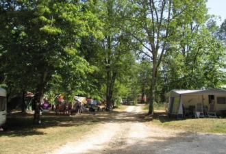 a vendre ce beau camping 3 étoiles situé dans un écrin de verdure du lot mais à quelques kilomet
