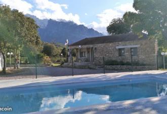 Camping *** 2 Piscines - 3 Villas - Restaurant