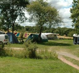vendu très beau camping à la ferme en auvergne