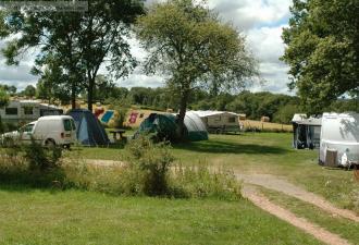 très beau camping à la ferme à vendre en auvergne