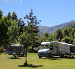 vente d'un camping familial dans l'occitanie avec environ soixante emplacements