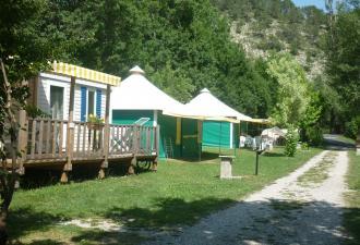 Belle petite affaire camping 3 étoiles au calme
