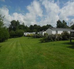 camping a vendre avec plus de 50 emplacements et des mobile-homes avec maison d'