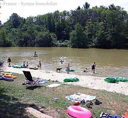 camping a vendre avec l'étang