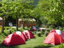 vente d'un magnifique petit camping familial dans le pays cathare dans un village de l'aude