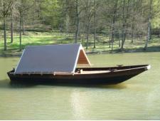 Bateau cabane